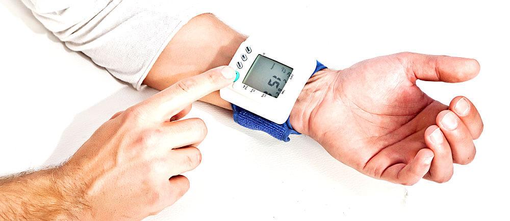 Welcher Puls normal ist, hängt u.a. vom Lebensalter ab